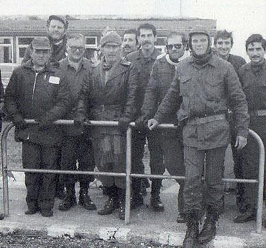 Polletti y un grupo de los ROA